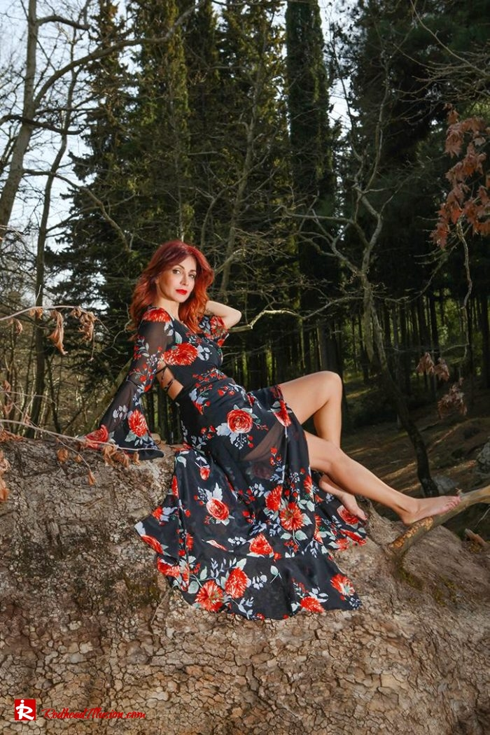 Redhead Illusion - Fashion Blog by Menia - Lost in the forest - Lulus dress-05