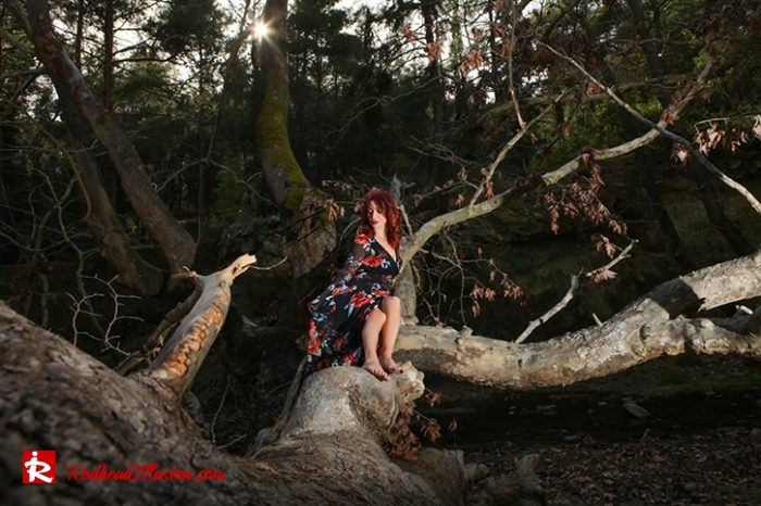 Redhead Illusion - Fashion Blog by Menia - Lost in the forest - Lulus dress-06