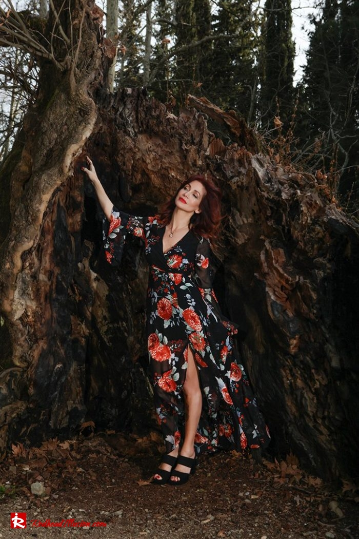 Redhead Illusion - Fashion Blog by Menia - Lost in the forest - Lulus dress-08