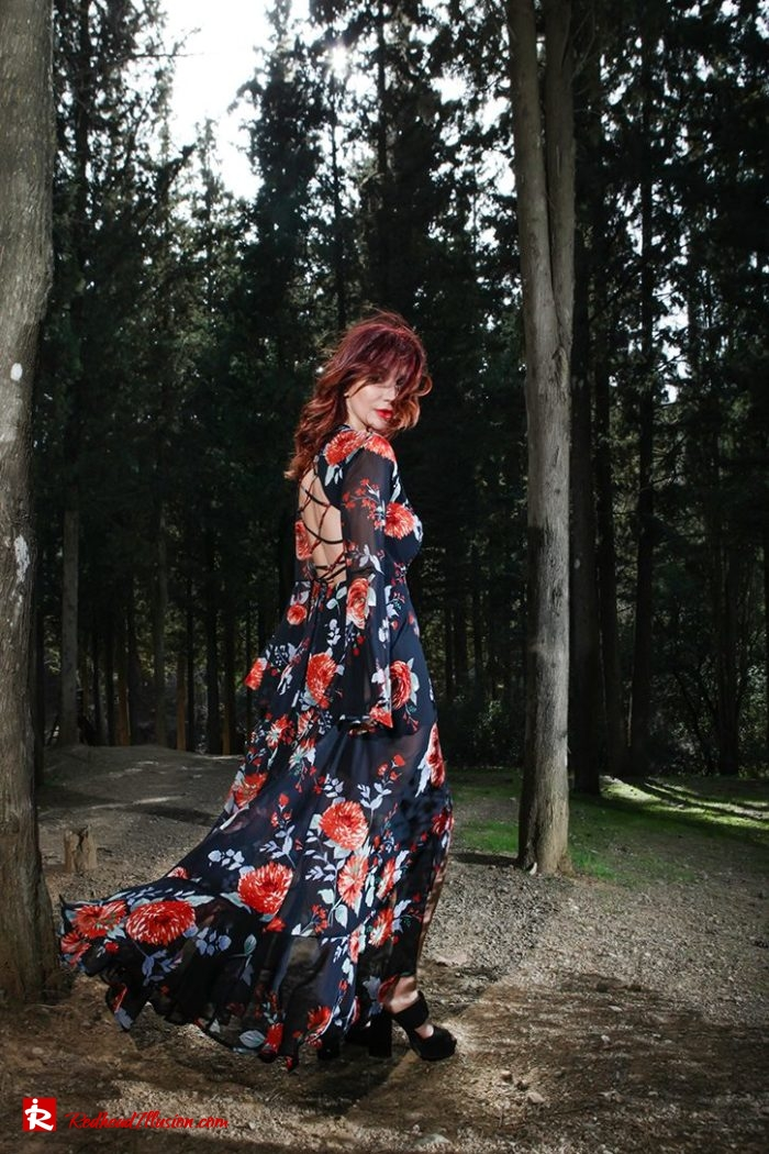 Redhead Illusion - Fashion Blog by Menia - Lost in the forest - Lulus dress-09