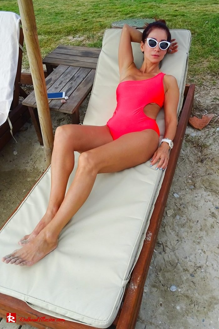 Redhead Illusion - Fashion Blog by Menia - Red Sun - Swimsuits-02