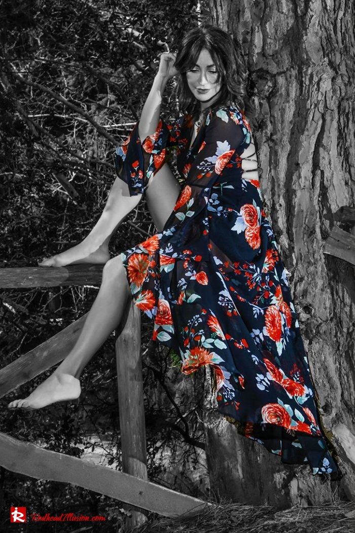 Redhead Illusion - Fashion Blog by Menia - Editorial - Lost in the forest...!-02