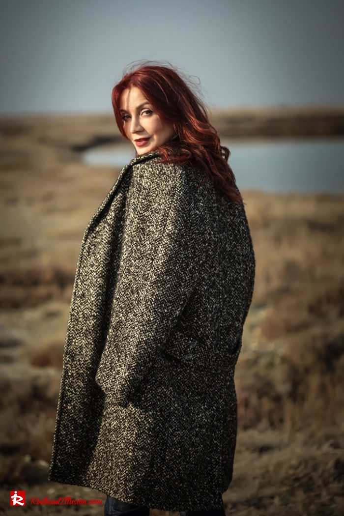 Redhead Illusion - Fashion Blog by Menia - Why You Should Steal A Man's Closet - Vintage coat, Oversized Sweater-02