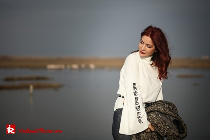 Redhead Illusion - Fashion Blog by Menia - Why You Should Steal A Man's Closet - Vintage coat, Oversized Sweater-05