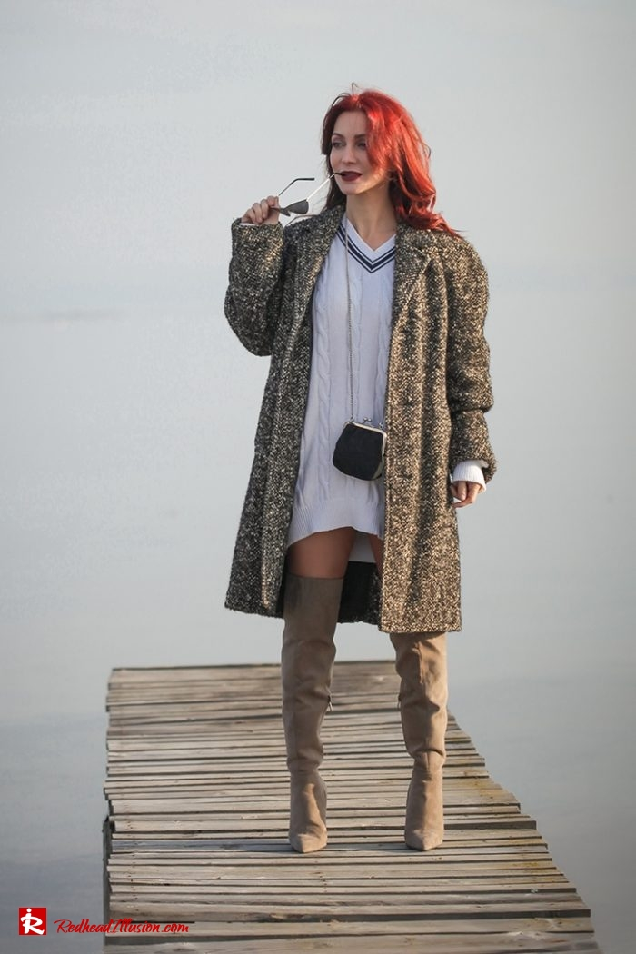 Redhead Illusion - Fashion Blog by Menia - Why You Should Steal A Man's Closet - Vintage coat, Oversized Sweater-08