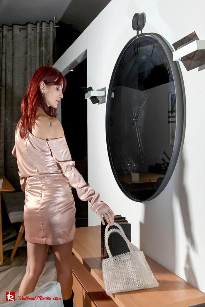 Redhead Illusion - Fashion Blog by Menia - Metallic Mini Dress - Missguided Mini Metallic Dress-02