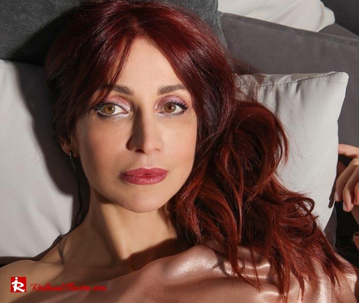 Redhead Illusion - Fashion Blog by Menia - Metallic Mini Dress - Missguided Mini Metallic Dress-09