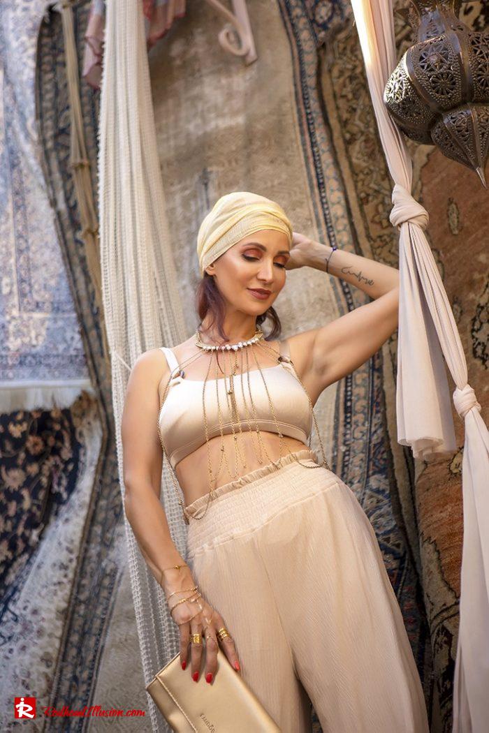 Redhead Illusion - Fashion Blog by Menia - Travel Through Your Style-08